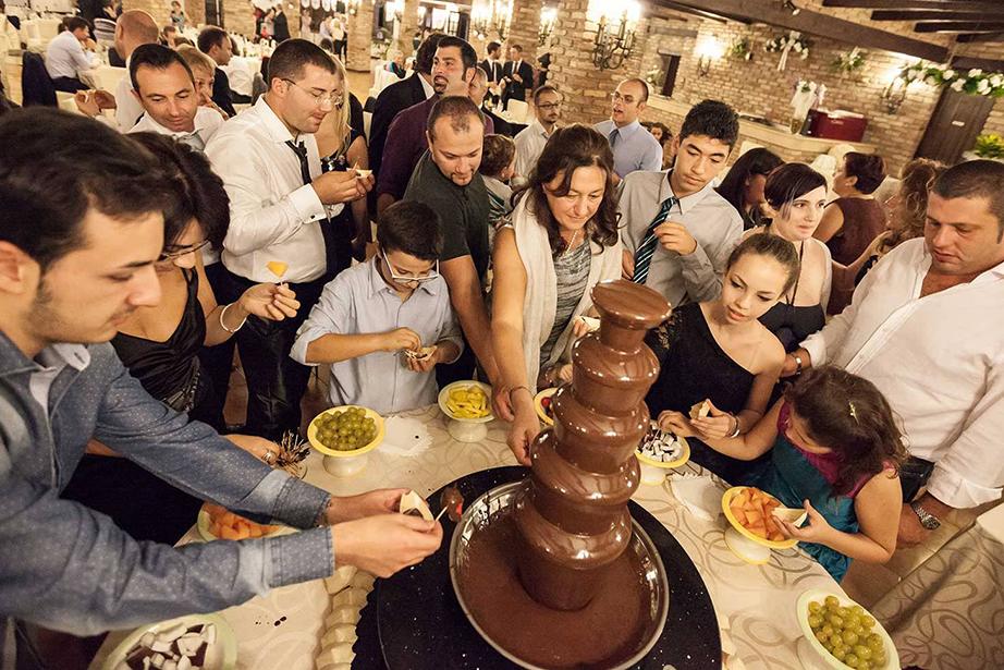 fontana di cioccolato, buffet di dolci per matrimonio