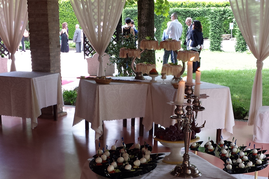 buffet in terrazza, ristorante De Firem Rostec