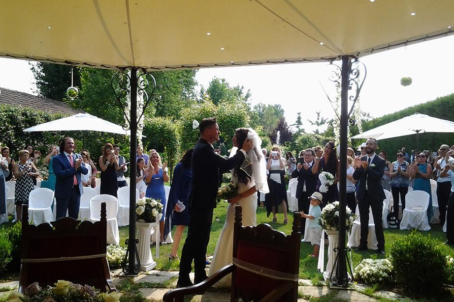 cerimonia civile nel parco del Ristorante Dè Firem Rostec