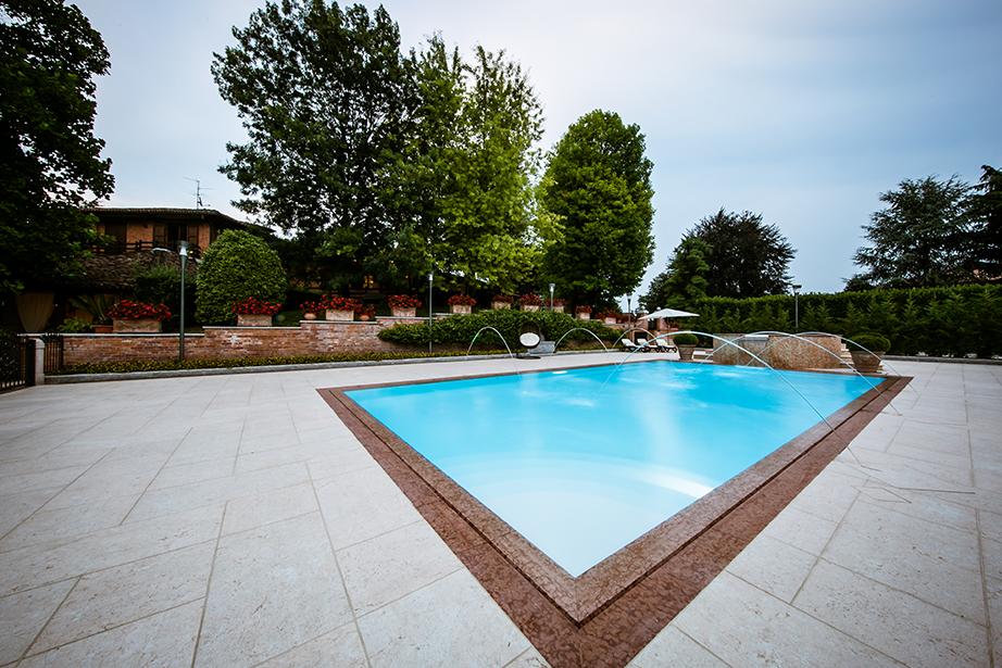 piscina del Ristorante Dè Firem Rostec