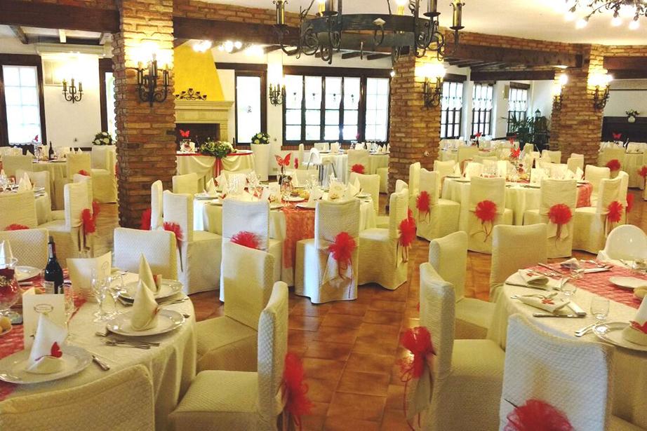 sala ricevimento matrimonio vicino Bergamo, colore rosso